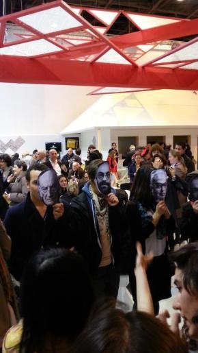 Manifestation des artistes roumains au Salon dulivre