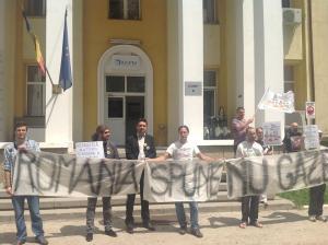 Manifestation contre l'exploitation du gaz de schise, à Vaslui (est de la Roumanie)