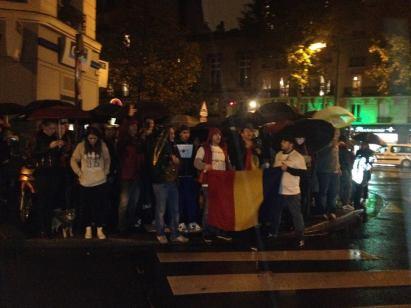 Lundi 3 novembre manifestation des Roumains devant l'Ambassade de Roumanie à Paris, pour réclamer le respect du droit de vote pour la diaspora